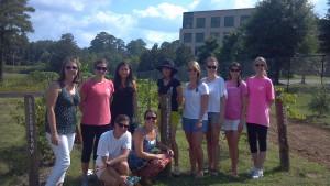 056-junior-league-garden-volunteers